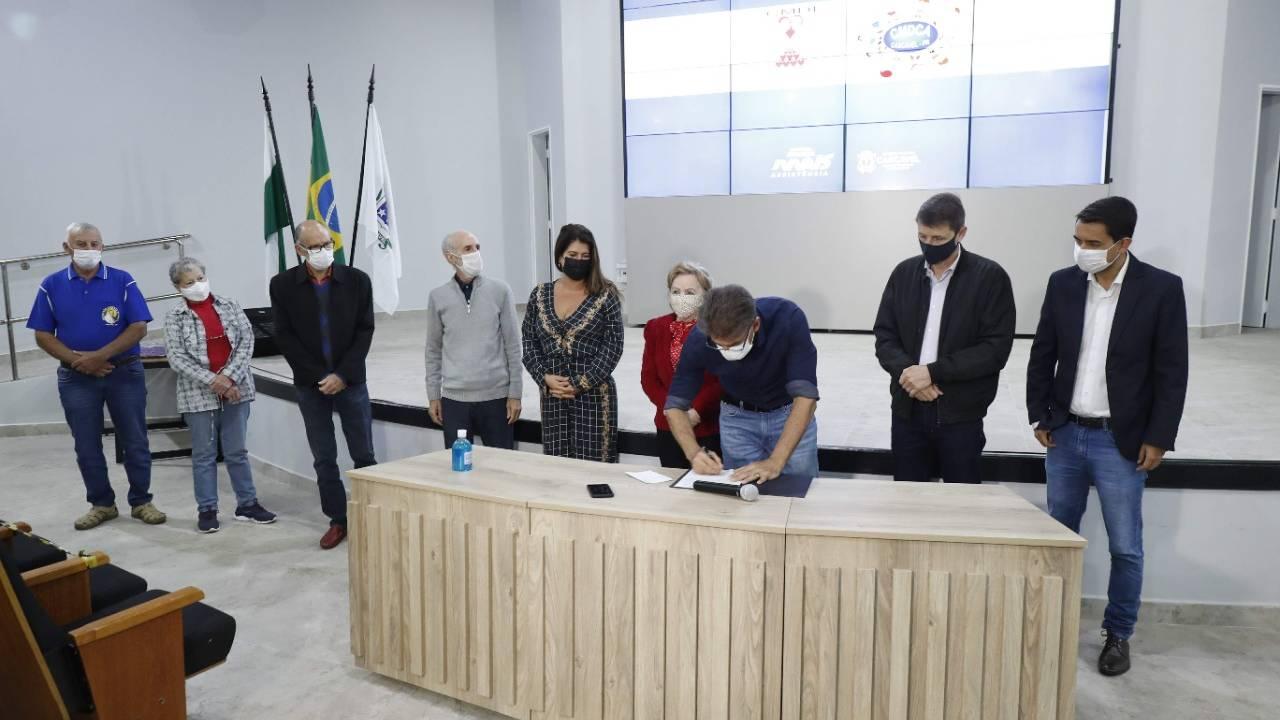 Cascavel formaliza repasse de R$ 5 milhões para entidades assistenciais