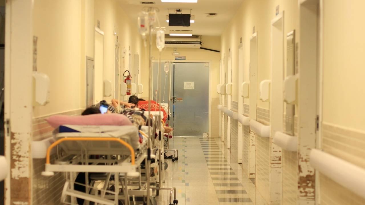 Macrorregional Oeste tem seis leitos de UTI covid-19 disponíveis para 154 pacientes aguardando leito