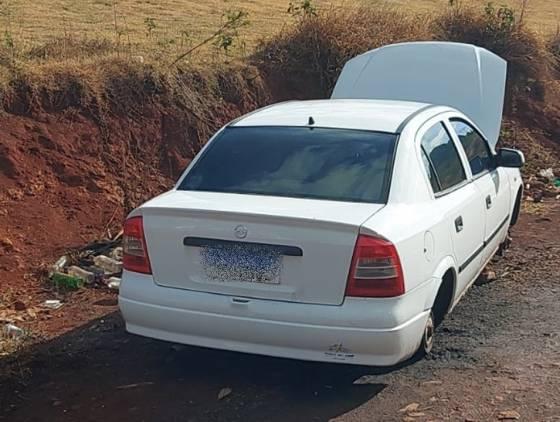 Policia Militar recupera Astra furtado no Loteamento Sanga Funda