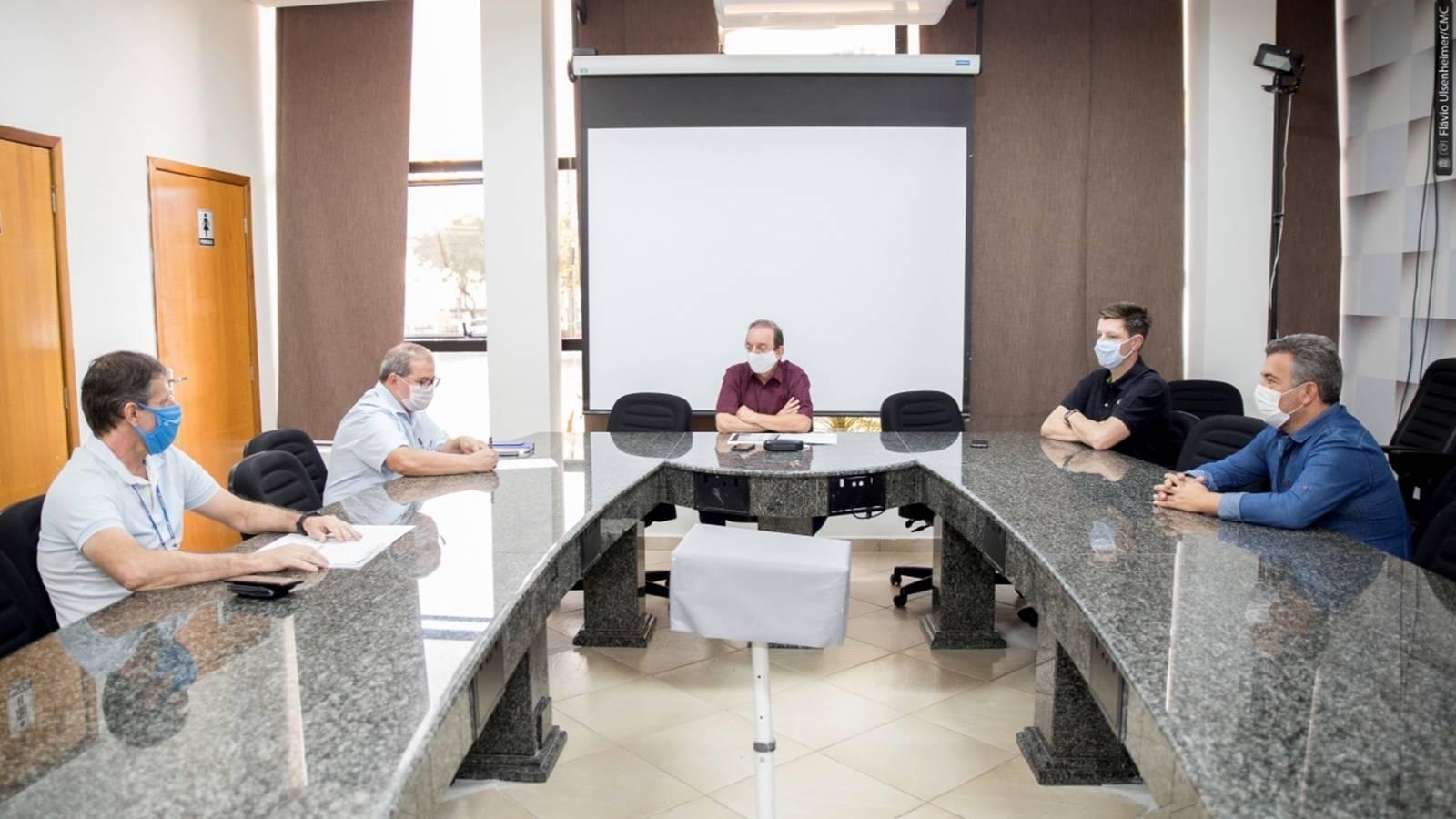 Comissão discute com Sanepar sobre valores altos da conta de água