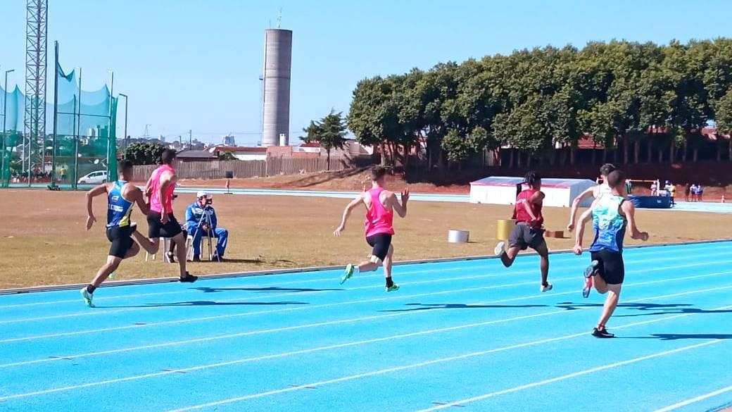 Campeonato Paranaense de Atletismo Sub-20 reúne 200 atletas em Cascavel