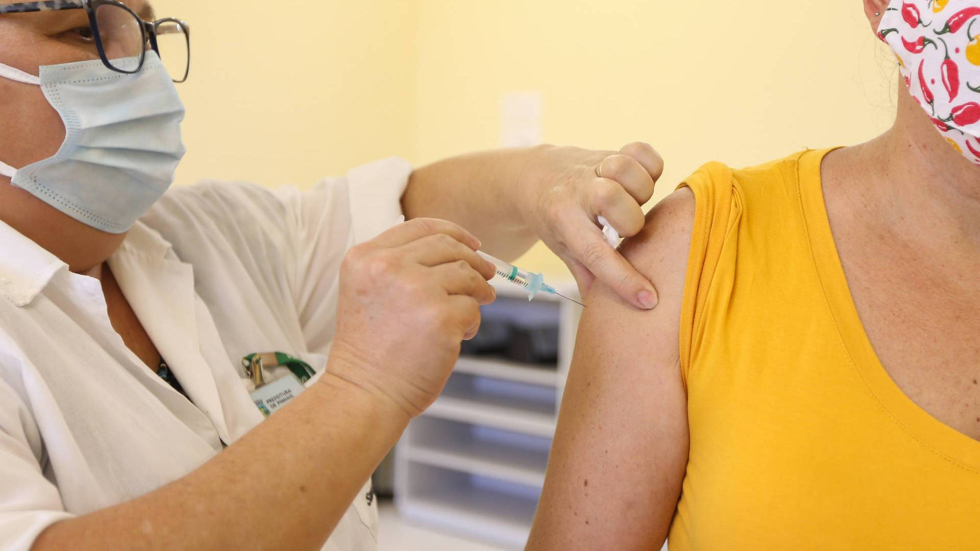 Com novos grupos e diálogo, Paraná deve acelerar imunização contra Covid-19