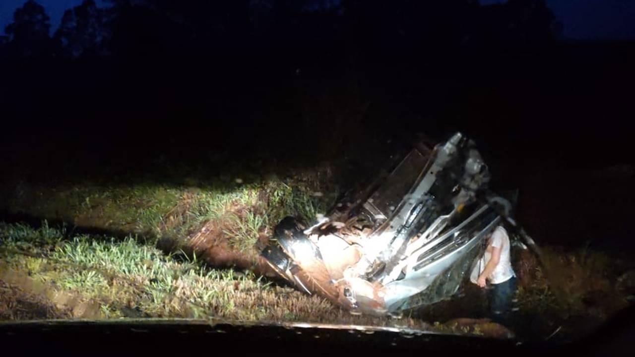 Quatro pessoas ficam feridas após capotamento na PR-180 entre Nova Aurora e Cafelândia
