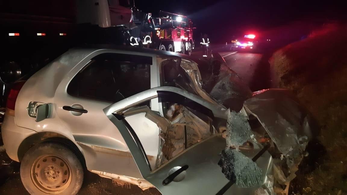 Veículo invade pista contraria e colide de frente com o Caminhão em Imbituva