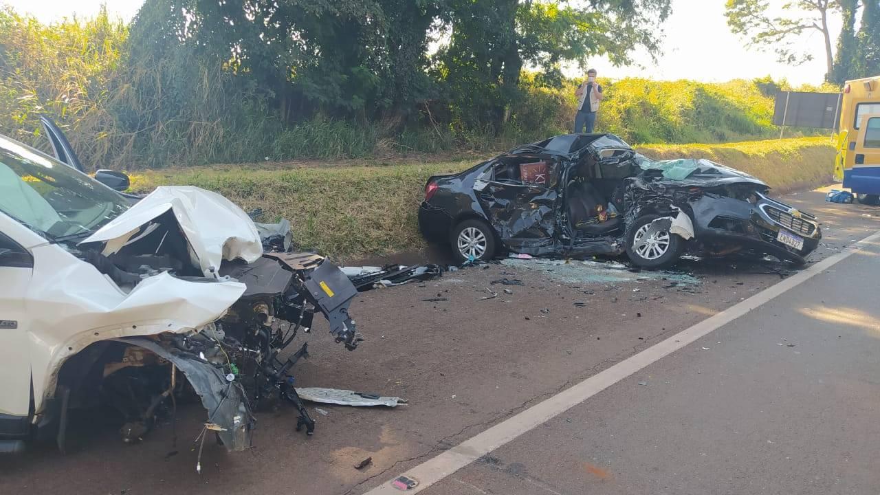 Mulher morre e outras duas pessoas ficam gravemente feridas após colisão de trânsito na BR-369
