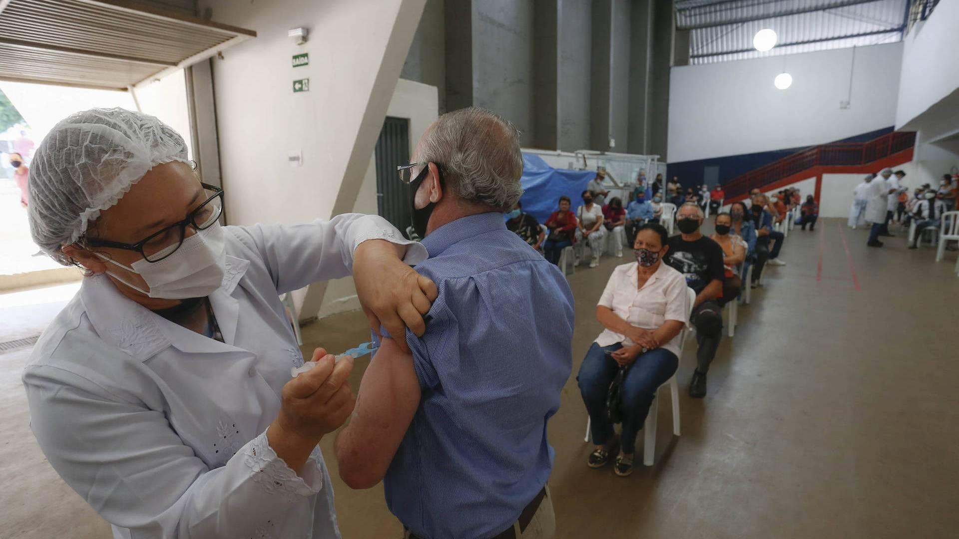 Paraná passará a incorporar no Vacinômetro estadual os dados do sistema federal