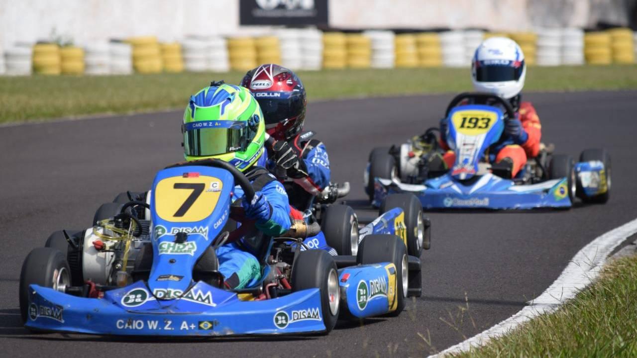 Caio Zorzetto tem início de temporada triunfante no Campeonato Citadino de Kart