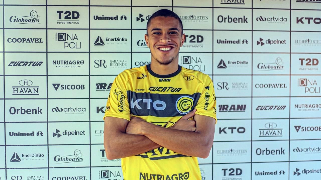Na véspera da estreia no Campeonato Brasileiro da Série D, Cascavel apresenta volante Lohan Alves