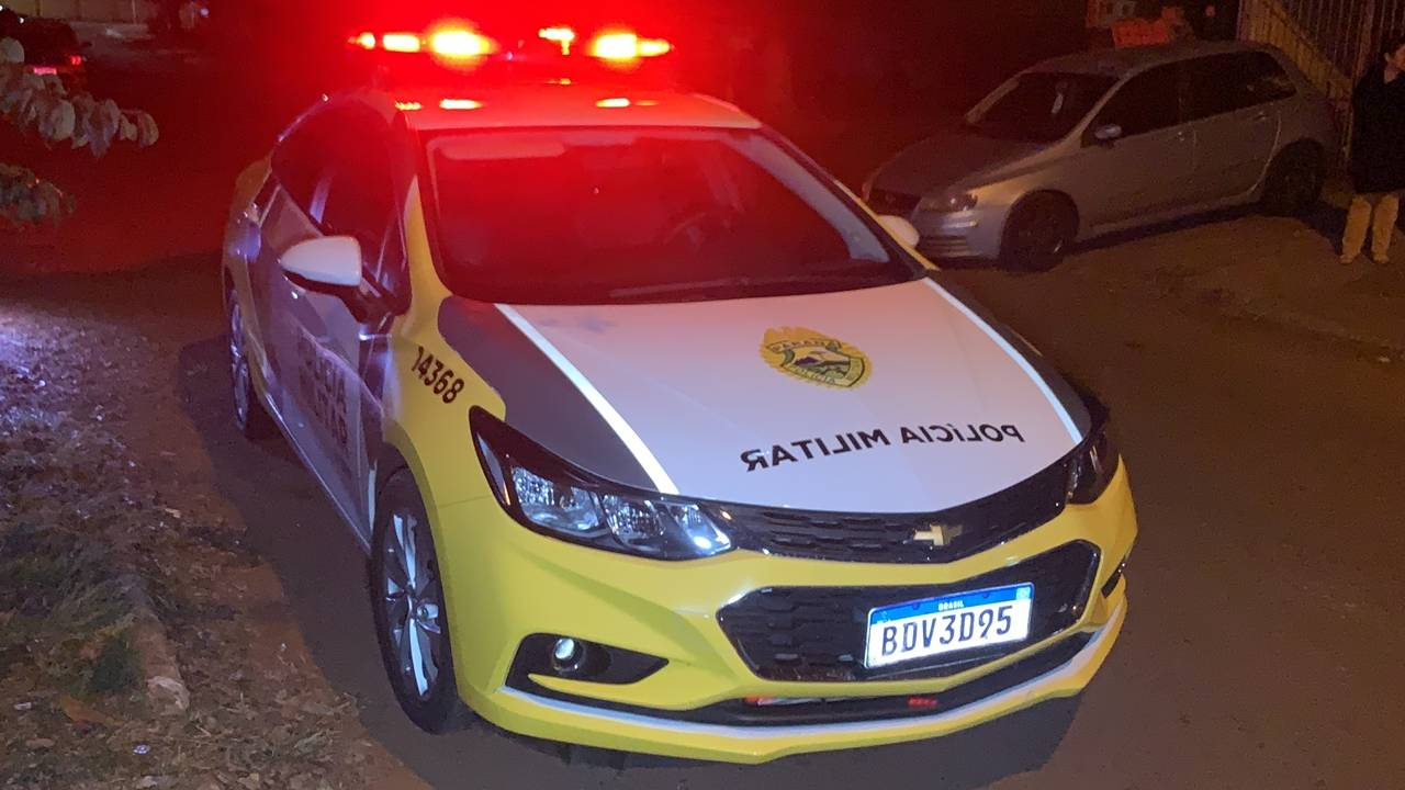 Jovem de 15 anos é ferido por lâmina na Rua Paraná