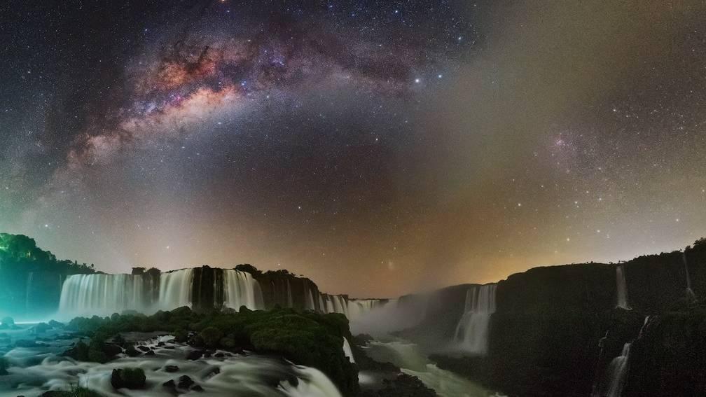 Parque Nacional do Iguaçu divulga fotos do céu estrelado nas Cataratas do Iguaçu