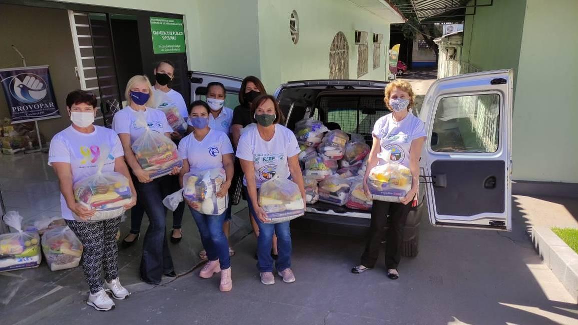 Comissão Feminina do Sindicato Rural de Cascavel entrega 100 cestas à Provopar