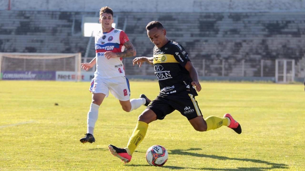 FC Cascavel fica no empate contra o Cascavel CR no Clássico do Veneno