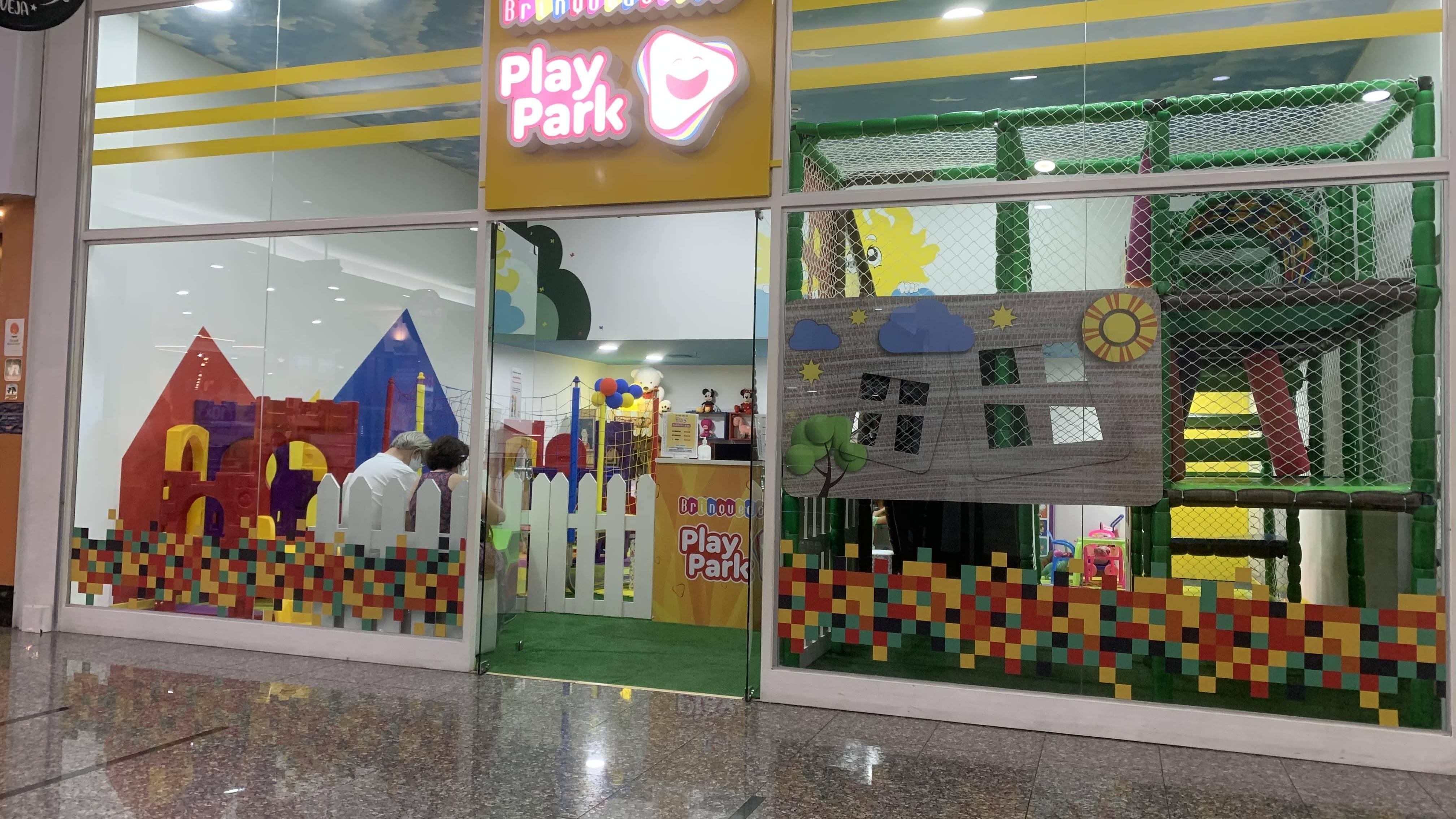 Enquanto pais vão às compras, crianças podem se divertir no mundo encantado da Play Park