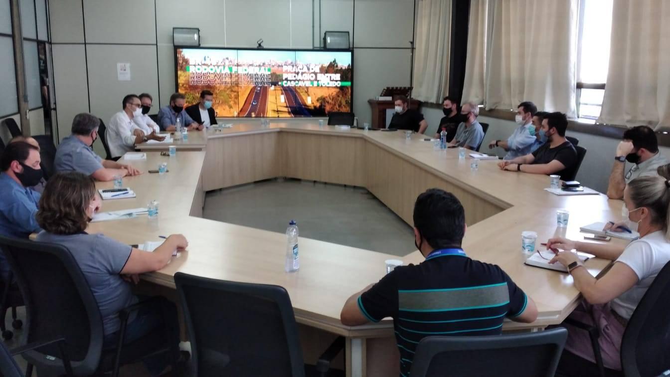 AMIC PR proporciona encontro com a prefeitura de Cascavel para agilizar emissão de alvarás