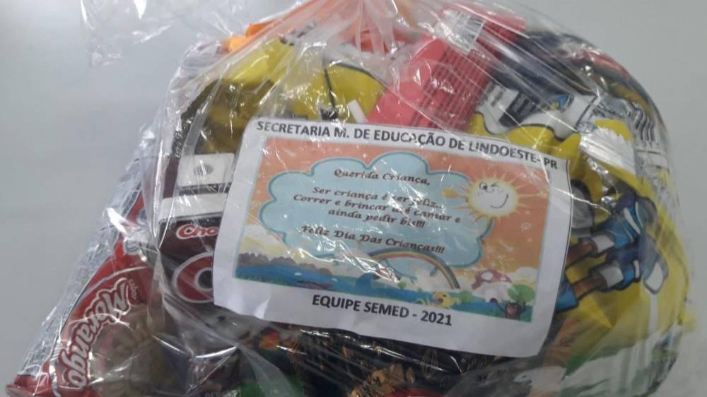 Prefeitura de Lindoeste distribui Kits de Doces para o Dia da Crianças