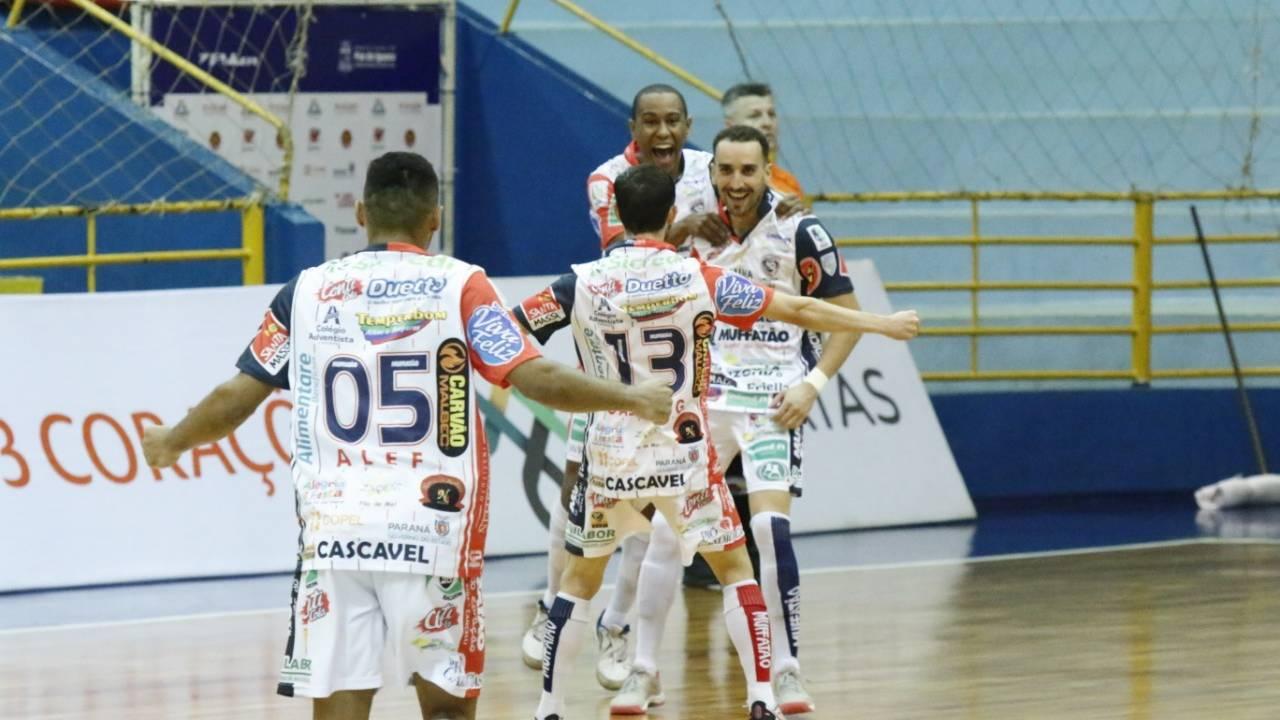 Cascavel Futsal vence o Foz Cataratas pela Liga Paraná e lidera o grupo A