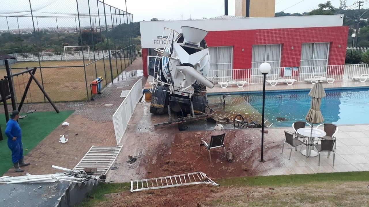 Concretize emite nota após incidente com seu caminhão em condomínio na Região da FAG