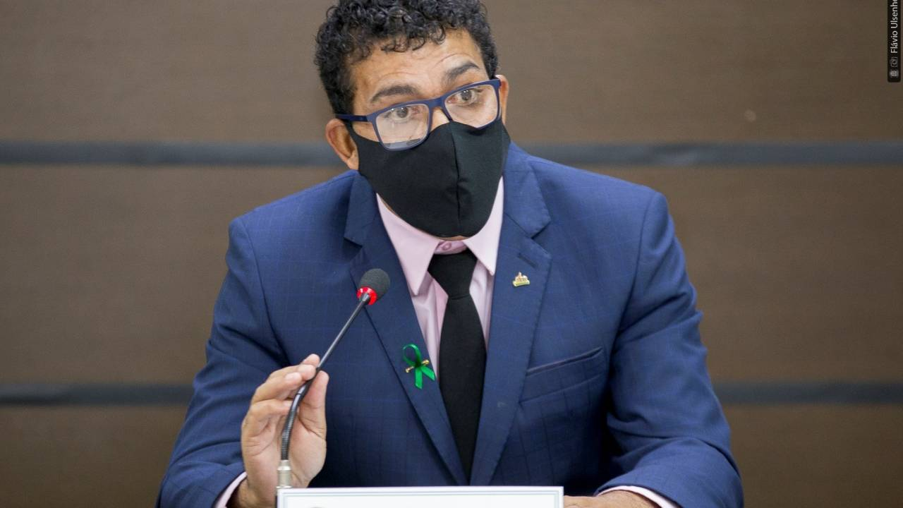 Josias pede a secretário nova lei sobre Fundo e Conselho Municipal de Esporte