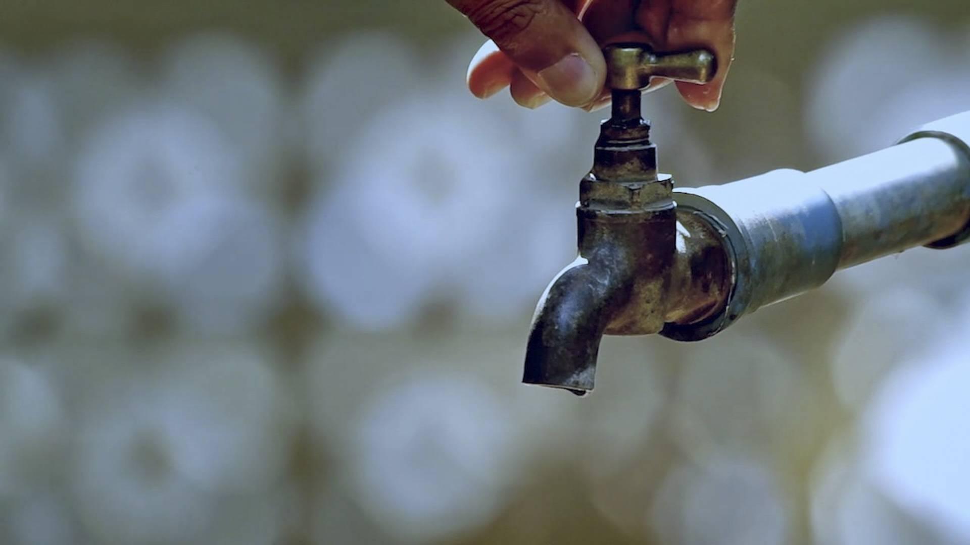 Falta de energia afeta o abastecimento em bairros de Cascavel