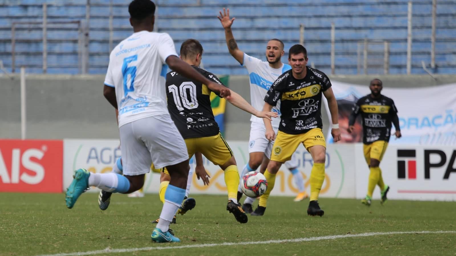 Empate para dar esperanças: FC Cascavel empata em 1 a 1 com o Londrina