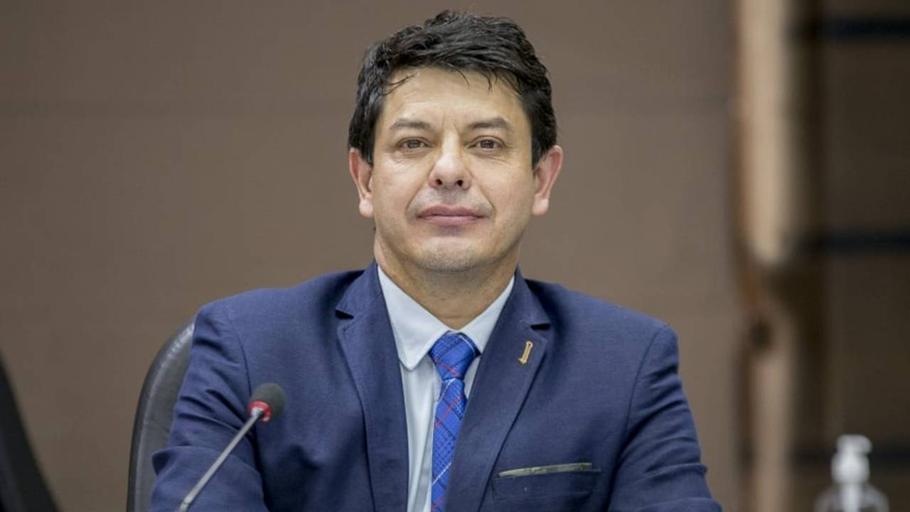 Vereador questiona possíveis perseguições a profissionais e desvalorização de servidores da GM