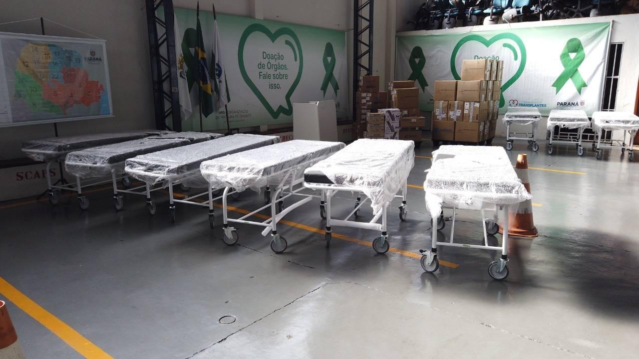 Hospital Universitário do Oeste recebe macas em doação feita pela Ecocataratas