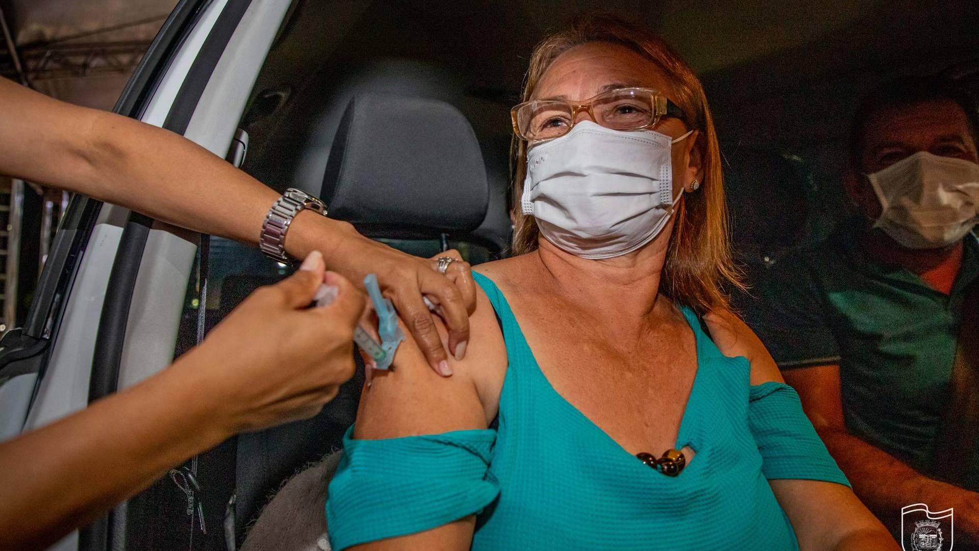 Todos os municípios do Paraná já estão vacinando a população em geral
