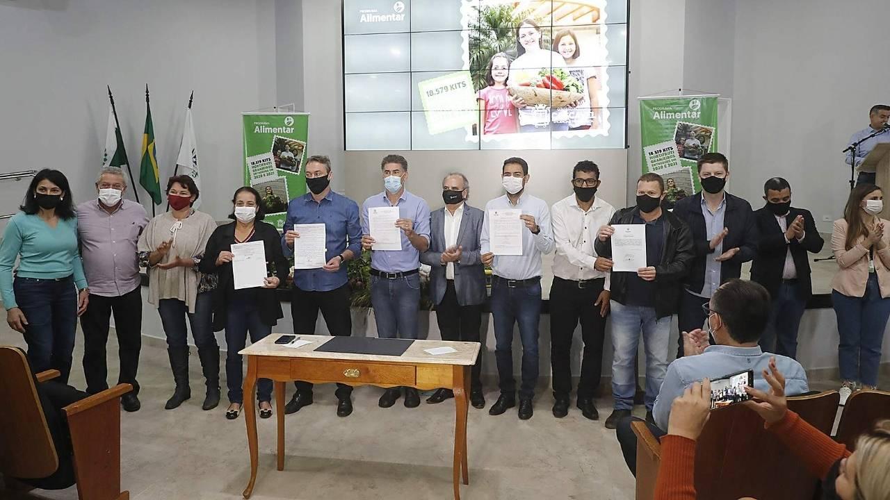 Agricultores comemoram ampliação do Programa Alimentar