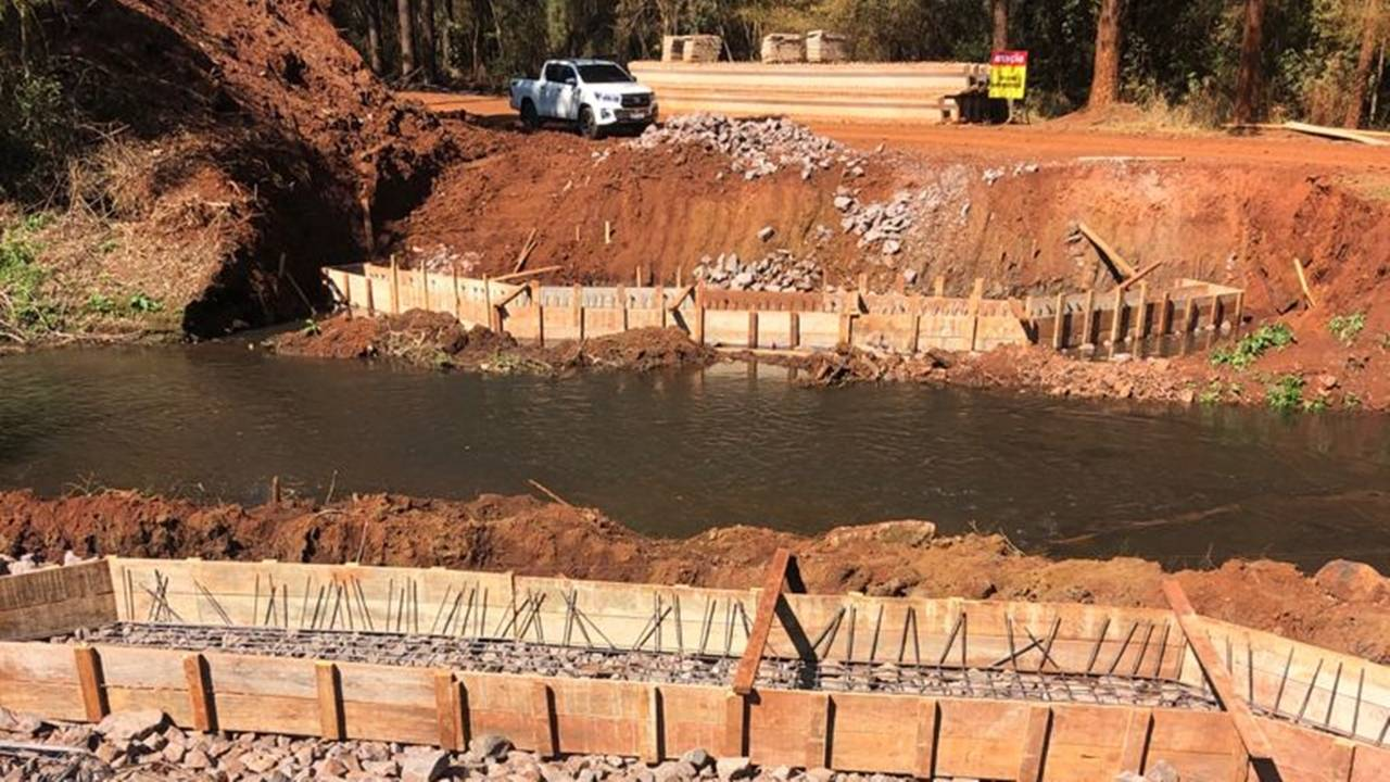 Obras da ponte sobre o rio Melissa avançam