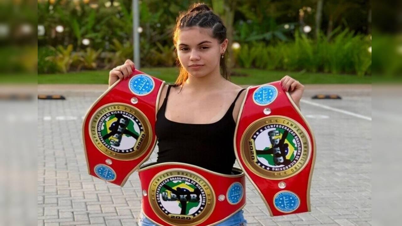 Cascavelense é tetra-campeã no Campeonato Brasileiro de Kickboxing