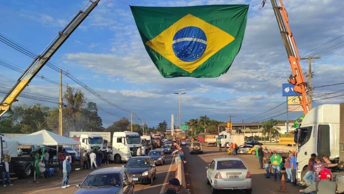 """Caminhoneiros veem fala de Bolsonaro como """"estratégia"""" para manter manifestações no País"""