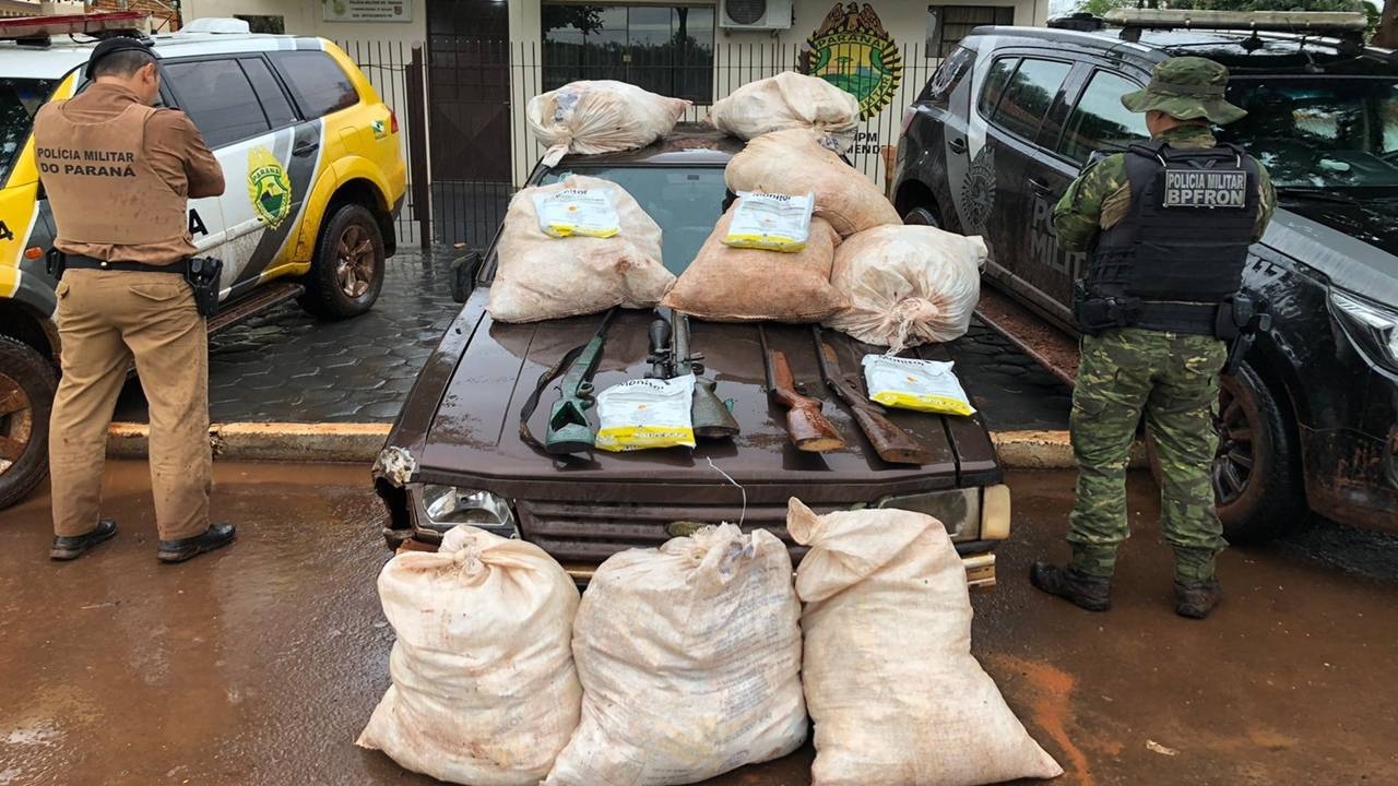 BPFRON, 19ºBPM e PF apreendem agrotóxicos contrabandeados, armas e munições Marechal Cândido Rondon