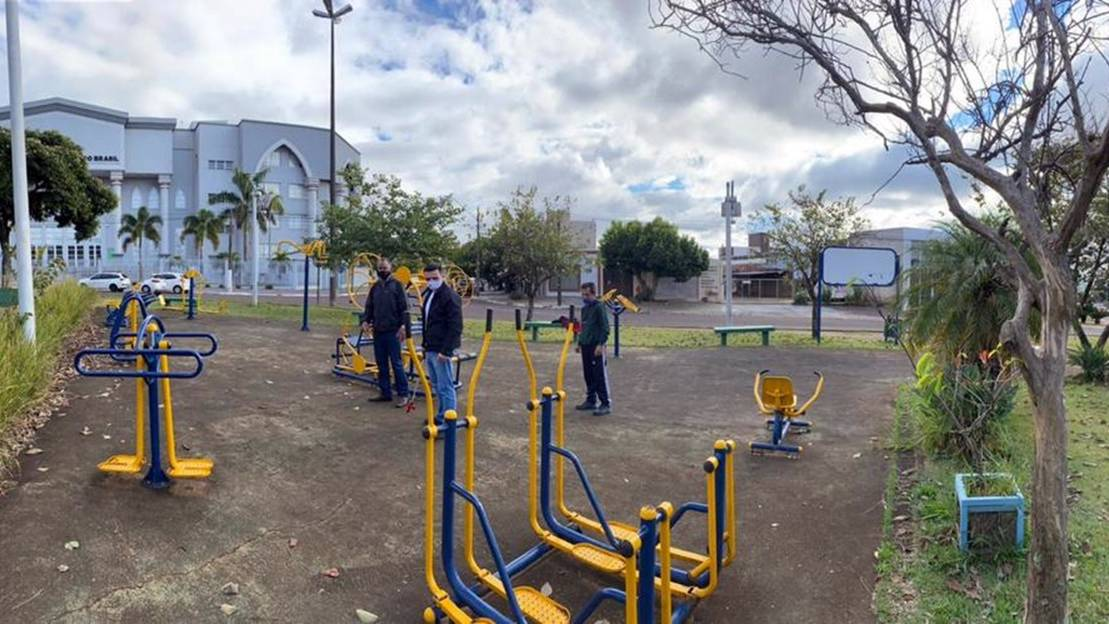 Vereador pede instalação de parquinho infantil na Praça Fonte da Pedra
