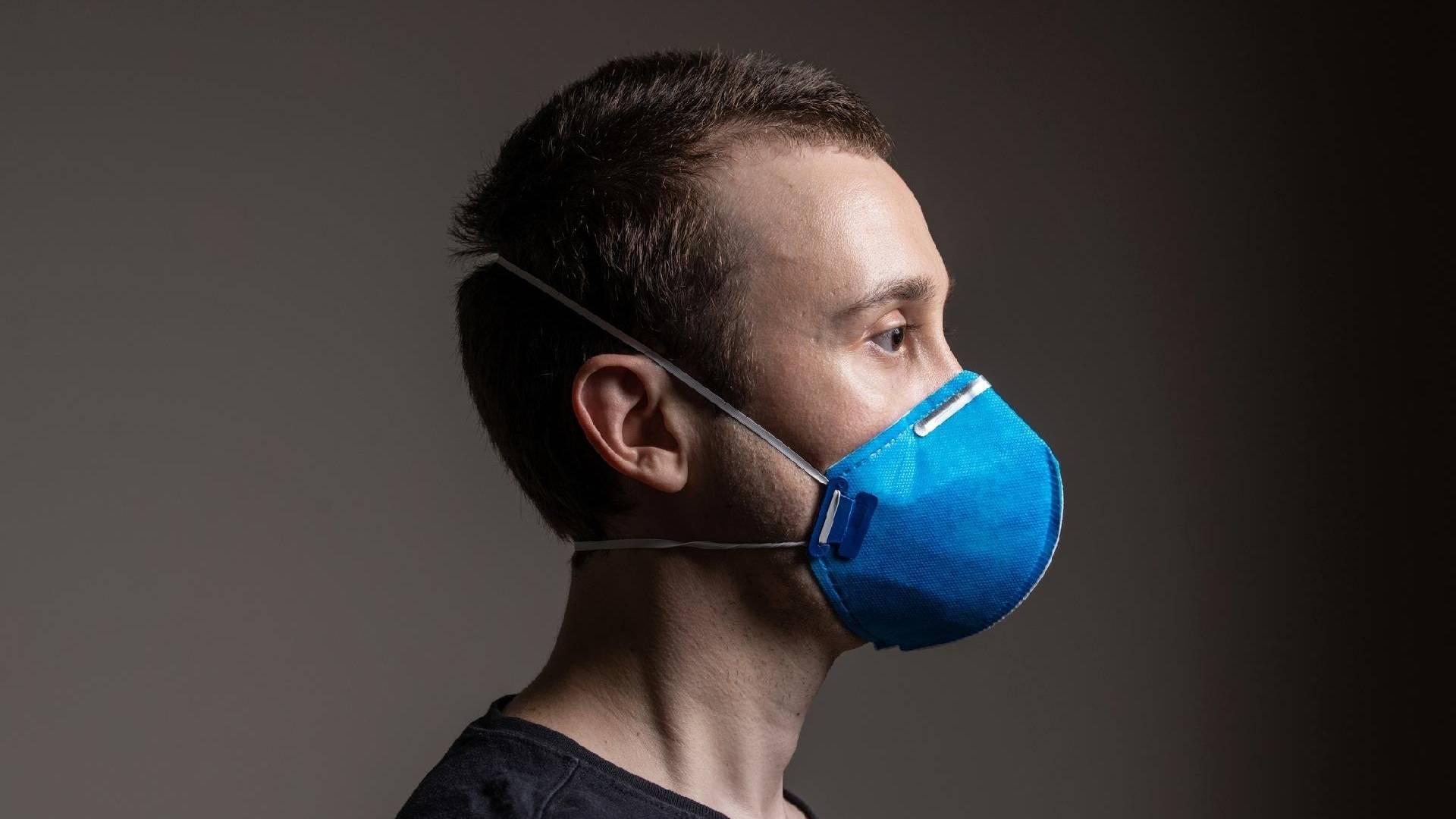 Vereadora pede que prefeitura distribua máscaras PFF2/N95 para servidores municipais