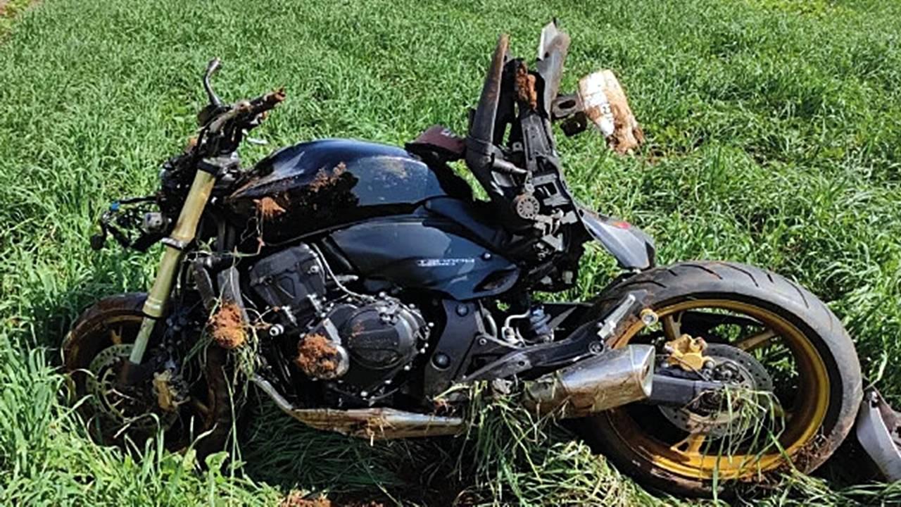 Jovem de 26 anos sofre acidente com moto na BR-277