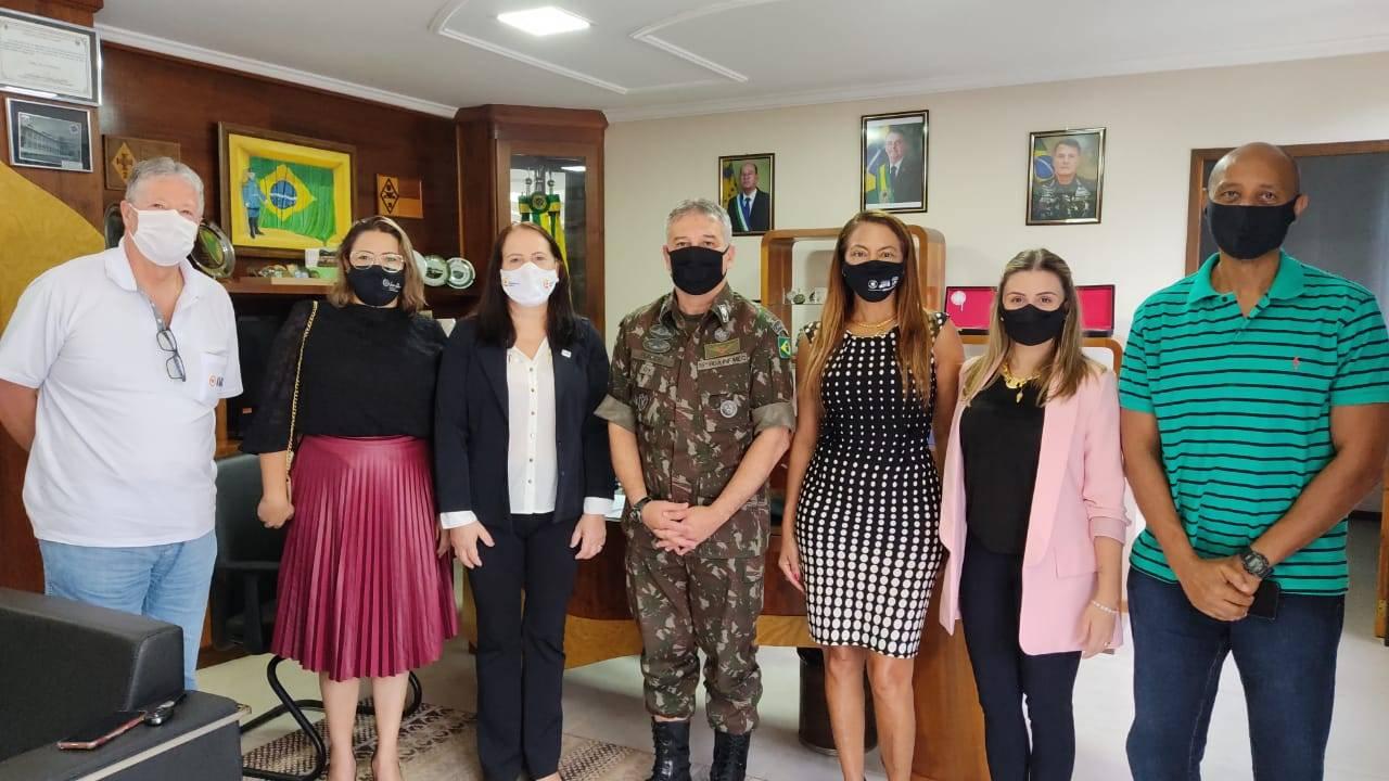 AMIC Paraná visita Brigada do Exército para alinhamento institucional