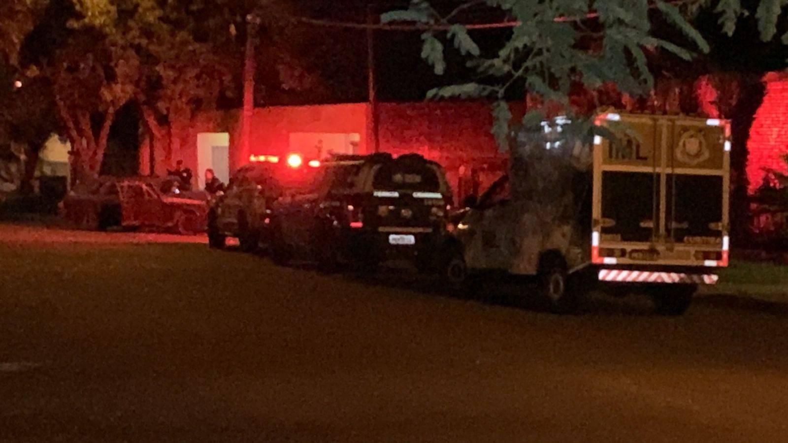 Identificado homem morto a tiros dentro de automóvel no Bairro Parque São Paulo
