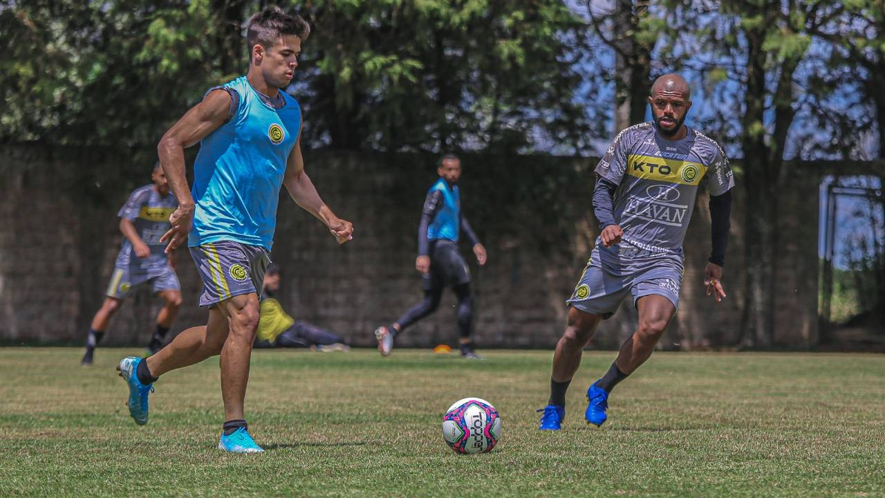 FC Cascavel decide título do Paranaense 2021 contra Londrina e reencontra torcida depois de 584 dias