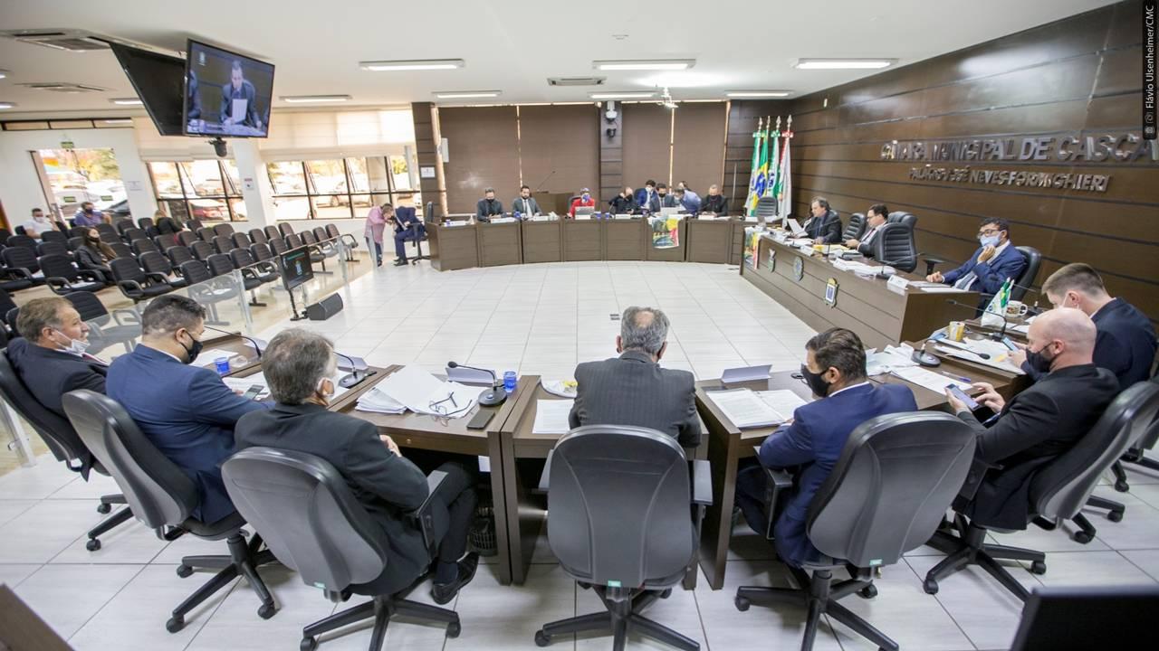 Vereadores de Cascavel repudiam absolvição de Dr. Bacana, acusado de assédio