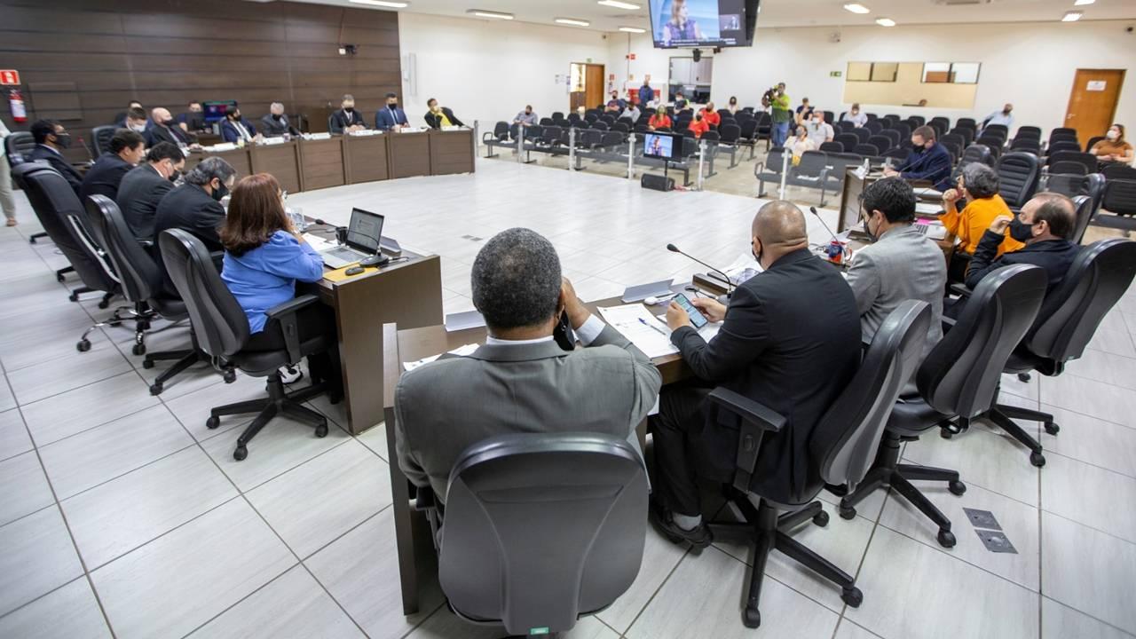 Câmara autoriza doação de área no Gralha Azul para programa social de moradia
