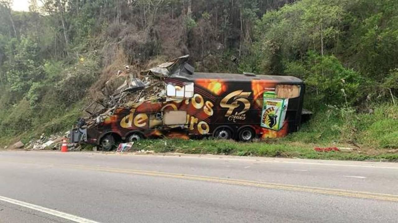 Grave acidente com ônibus tira a vida de Airton Machado do Garotos de Ouro