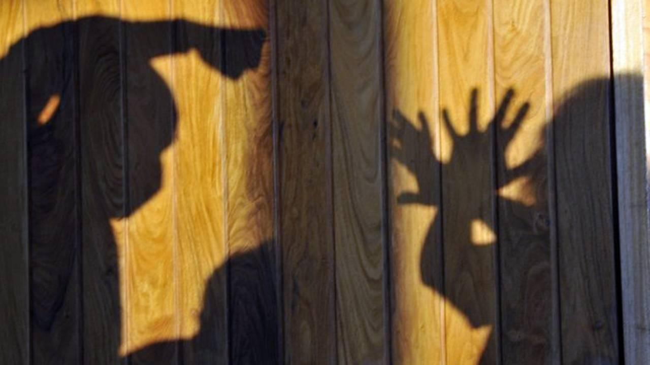 Violência doméstica: condomínios são obrigados a reportar casos à polícia