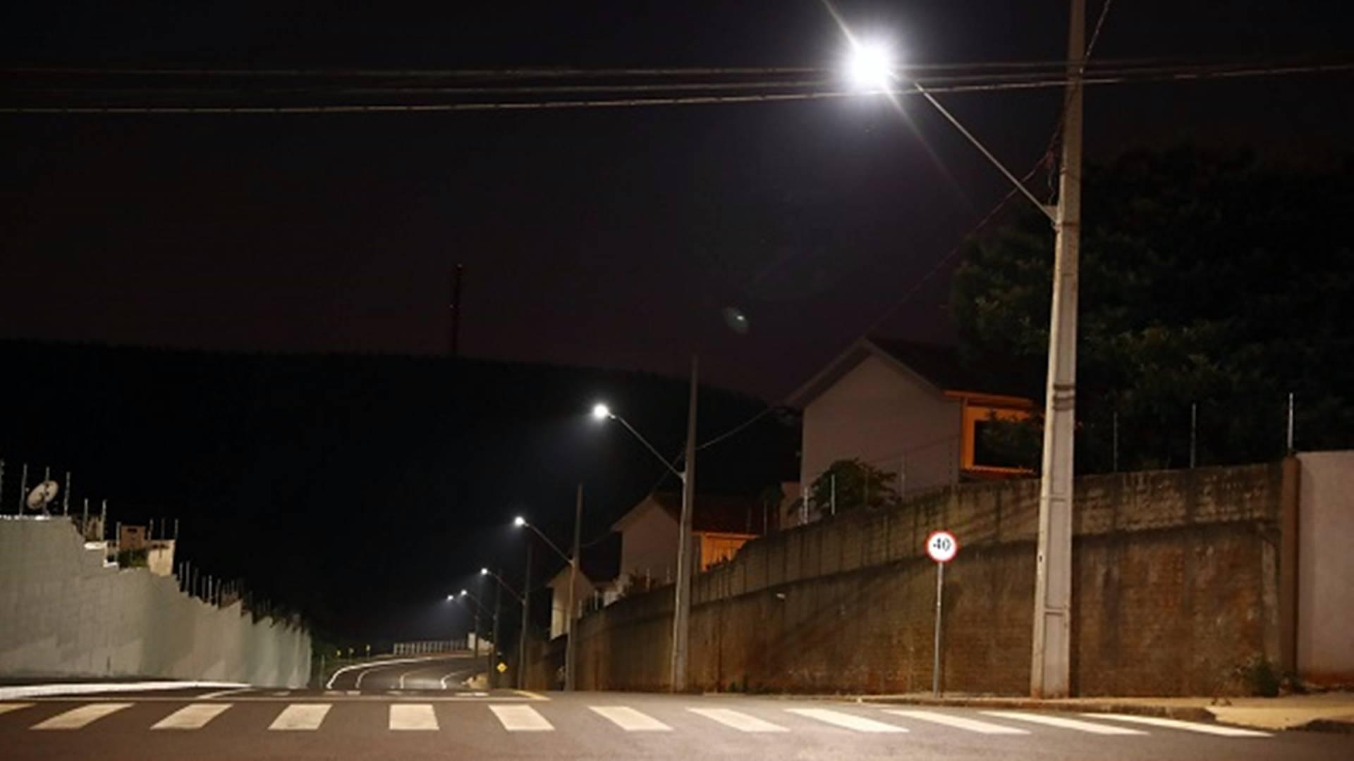 Cascavel conclui instalação de 8,1 mil lâmpadas de LED