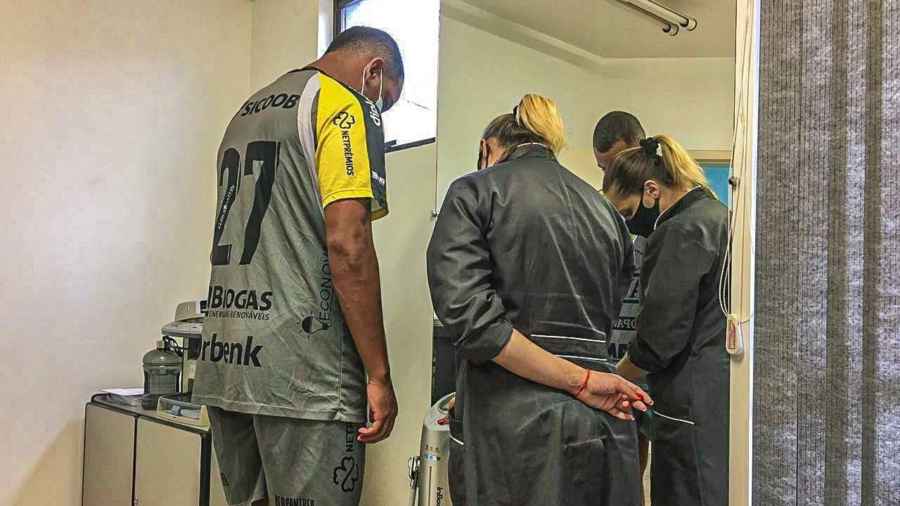 Bioimpedância: conheça mais sobre o exame realizado pelos atletas do FC Cascavel