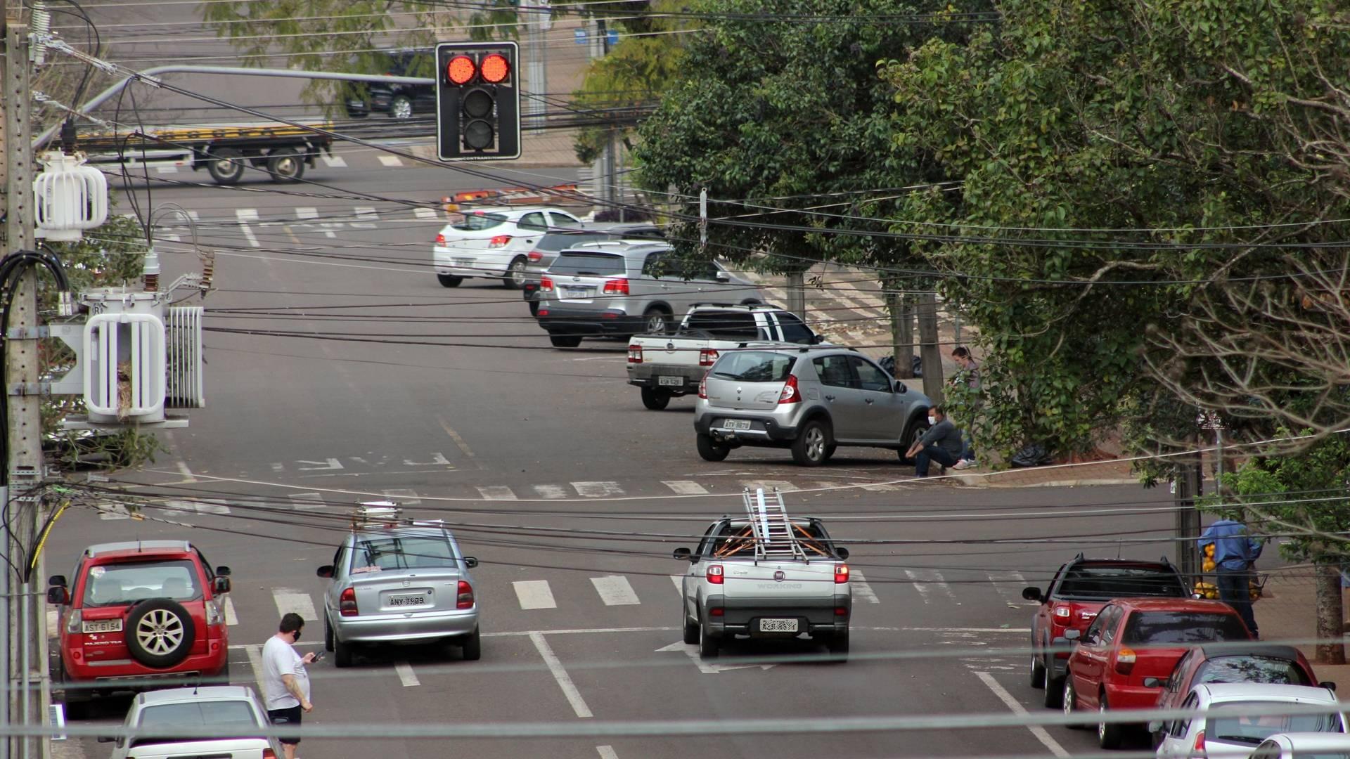 Transitar conserta problemas de sincronia em semáforos dos binários de Cascavel