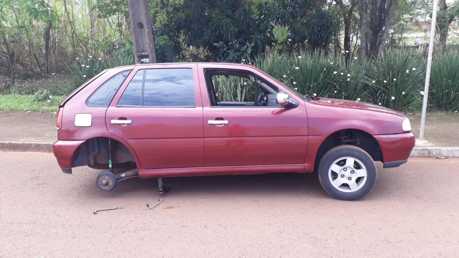 Veículo Gol com alerta de furto é recuperado pela PM no Bairro Santa Cruz