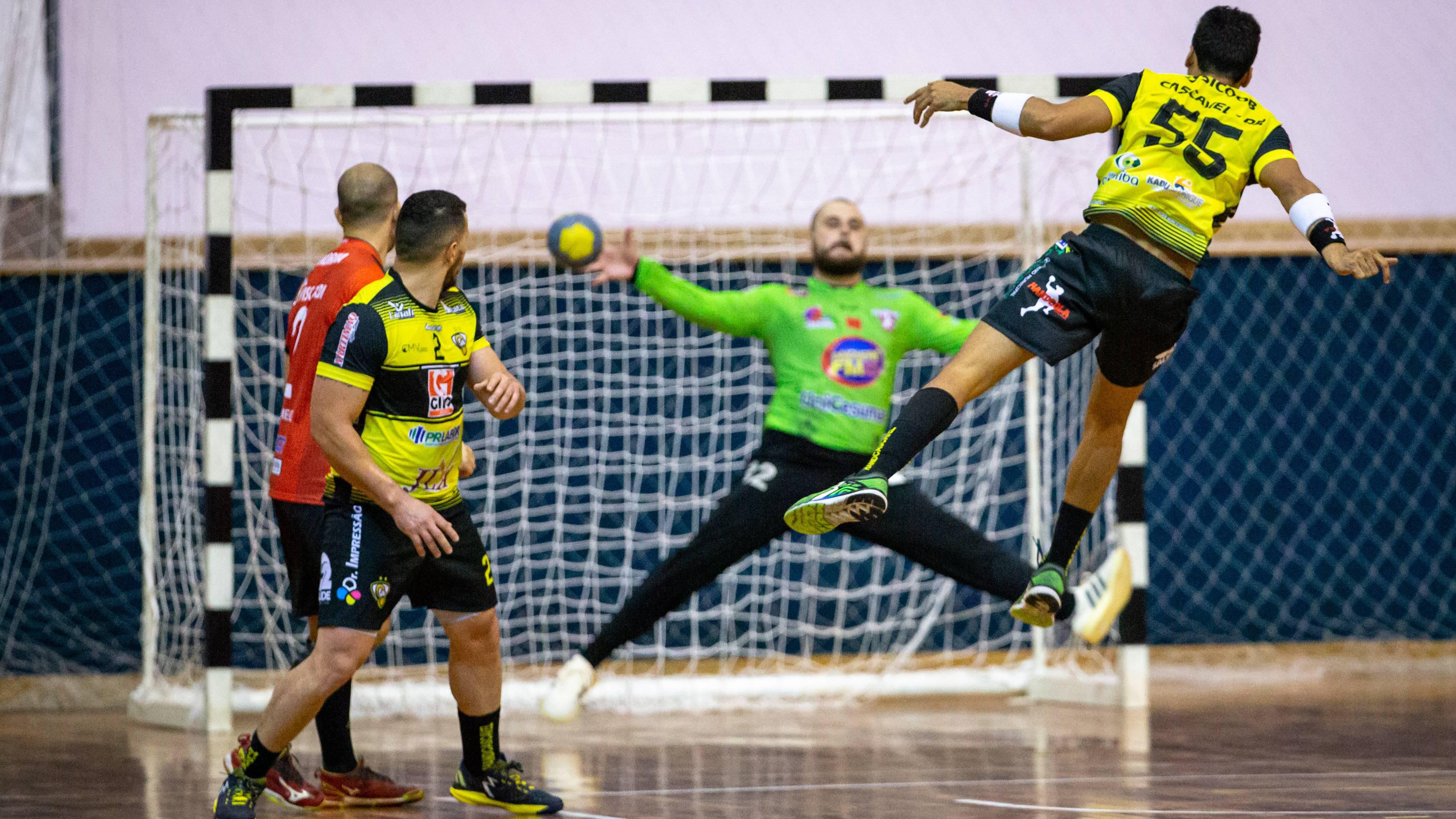 Cascavel estreia com derrota na Liga Nacional de Handebol