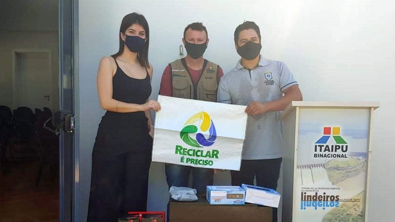 Campanha para incentivar separação de lixo vai passar por bairros de Cascavel