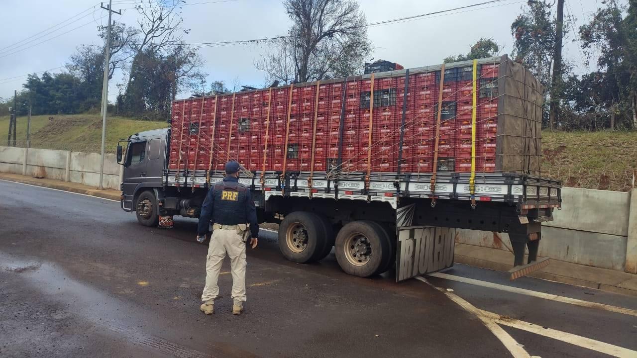Mais de 300 toneladas de excesso de peso foram retiradas de circulação nas rodovias federais do PR