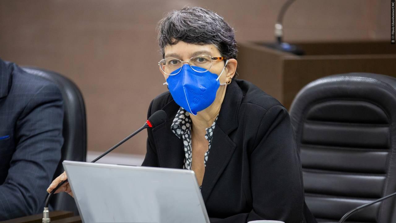 """Professora Liliam aciona MP para investigar prescrição e distribuição de """"Kit Covid"""""""